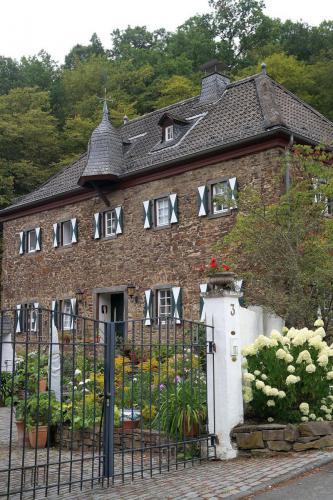 14 Burghaus Burgsahr 1-9-2019